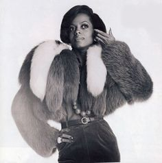 American soul singer Diana Ross poses in a fur jacket, London, Get premium, high resolution news photos at Getty Images Diana Ross Style, Fur Jacket, Fur Coat, Lady Sings The Blues, Terry O Neill, Vintage Glamour, Vintage Soul, Vintage Vibes, Vintage Beauty