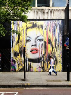 London: Pop Art Kate  French street artist Mr Brainwash (Thierry Guetta) has branded the exterior of The Old Sorting Office on New Oxford Street to promote his solo exhibition on August 5. The Kate Moss image is reminiscent of his artwork for Madonna's Celebration artwork in 2009.