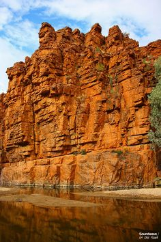 Les falaises oranges de Trephina Gorge Video Nature, Red Centre, Road Trip, Alice Springs, Rock Formations, We Fall In Love, Blog Voyage, Heartland, Australia Travel