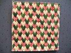Grit's Life Paper Weaving, Loom Weaving, Hand Weaving, Fabric Weaving, Ribbon Art, Fabric Ribbon, Ribbon Crafts, Tape Crafts, Sewing Crafts