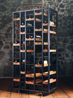 Das the loft – Weinregal no_07 kann sowohl als Statement in den Raum platziert, als auch funktionell zur Raumteilung verwendet werden. Es besteht aus einer in sich geschlossenen Schwarzstahlkonstruktion mit konkav-geformten Flaschenablagen aus Eichenholz. The Loft, Wine Rack, Shelving, Divider, Design Inspiration, Inspired, Storage, Furniture, Home Decor