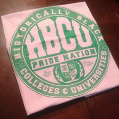 They do school colors also (mainly) Pretty Girl Swag, Pretty In Pink, Pretty Girls, Alpha Kappa Alpha Sorority, Sorority Life, Virginia State University, School Colors, Greek Life, Tea Roses