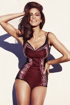 Eva Mendes in Prada. Marie Claire UK In my opinion, Eva Mendes has a real woman's figure with the right curves in the right places. Marie Claire, Eva Marie, Most Beautiful Women, Beautiful People, Beautiful Suit, Mode Swag, Actrices Sexy, Pullover Shirt, Actrices Hollywood