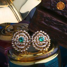 Real Diamond Earrings, Diamond Jewellery, Jewelry Design Earrings, Gold Earrings Designs, Diamond Tops, Gold Jewelry Simple, Clover Necklace, Bangle, Ear Rings
