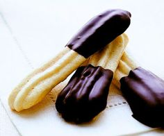 Almond Macaroons Fingers