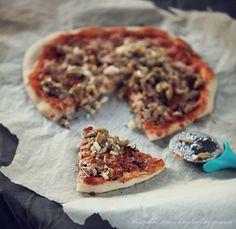 Pizza z tuńczykiem i chilli – White Plate