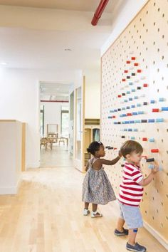 Image 9 of 15 from gallery of Maple Street School Preschool / BFDO Architects + Design Studio. Photograph by Lesley UnruhMaple Street School in Brooklyn features warm wood Interactive Wall Ideas For Kid Spaces - flor portela - - 20 Intera Kindergarten Interior, Kindergarten Design, Daycare Design, School Design, Kids Corner, Home Design, Interior Design, Wall Design, Design Ideas