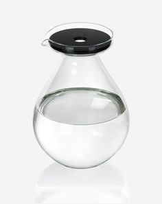 Drop jug designed by Sebastian Bergne  #sebastianbergne #jug #water #glass