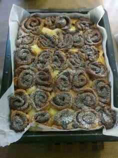 Pulla on aina hyvää ja wienerpulla joskus vieläkin parempaa. Finnish Recipes, Sweet Bakery, Baked Doughnuts, Sweet Pastries, Slow Food, No Bake Cake, Cake Recipes, Food And Drink, Cooking Recipes
