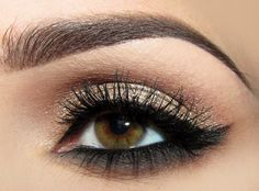 Colors work well together.....brown, smoky grey on bottom and dark liner on both top & bottom!