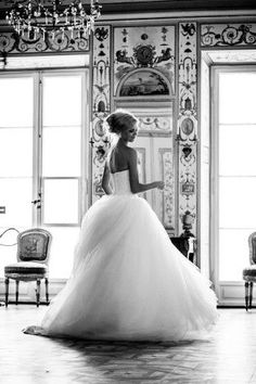 "Belle robe ""effet bouffant"" - Beautiful dress ""bouffant"" effect."