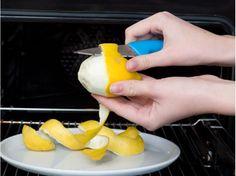 Unangenehme Gerüche im Backofen verschwinden mit erhitzter Zitronenschale