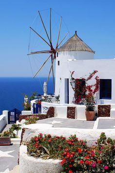 Санторини – белоснежный греческий остров (Santorini - White Greek island)