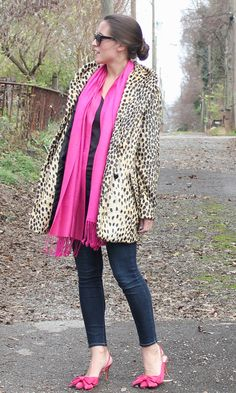 pink + leopard love to go together Animal Print Outfits, Animal Print Fashion, Animal Prints, Leopard Print Coat, Pink Leopard, Autumn Winter Fashion, Fall Fashion, Over 50 Womens Fashion, Casual Wear