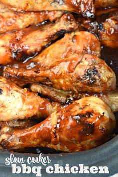 Make juicy, sweet and tangy chicken in your crockpot with this easy Slow Cooker BBQ Chicken recipe! Perfect for year round dinners! Slow Cooker Bbq, Slow Cooker Chicken, Slow Cooker Recipes, Crockpot Recipes, Cooking Recipes, Crockpot Bbq Chicken, Slow Cooker Lasagna, Crockpot Dishes, Portuguese Recipes