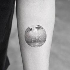 Please check more! Awesome Seven Ugly Truth About Moon Underwater Tattoo Rain Tattoo, Detailliertes Tattoo, Storm Tattoo, Piercing Tattoo, Armband Tattoo, Tattoo Moon, Ear Piercings, Circle Tattoos, Mini Tattoos