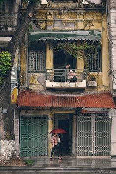 Hanoi Old quarter- summer rain - By Trung Nguyen