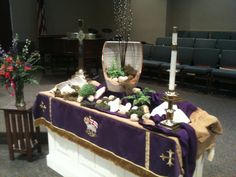 Pics of Altar Transformations during lent Contemporary Flower Arrangements, Altar Design, Easter Garden, Altar Decorations, Prayer Room, Church Ministry, Palm Sunday, Lent, Holidays And Events