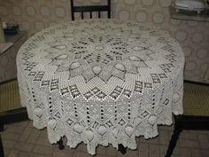 Celeidapaixaoportrico Crochet Tablecloth Pattern, Crochet Bedspread, Crochet Doilies, Crochet Patterns, Crochet Hats, Crochet Diagram, Filet Crochet, Mantel Redondo, Pineapple Crochet