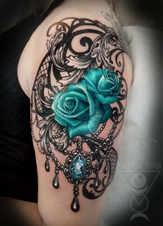foot tattoos for women Dope Tattoos, Badass Tattoos, Pretty Tattoos, Unique Tattoos, Beautiful Tattoos, Body Art Tattoos, Incredible Tattoos, Bird Tattoos, Feather Tattoos