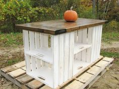 p/surprisingly-easy-woodworking-projects-for-beginners-quick-wood-projects - The world's most private search engine Rustic Country Kitchens, Rustic Kitchen, Country Farmhouse, Crate Furniture, Rustic Furniture, Wooden Crates, Wood Pallets, Diy Pallet Projects, Wood Projects