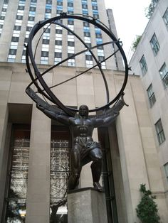 Atlas sculpture, Rockerfeller Plaza,