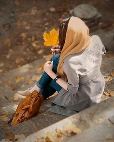 Side Pose Hidden face hold leaf Dp pic The post Side Pose Hidden face hold leaf Dp pic appeared first on Wallpaper DPs. Cute Baby Girl Pictures, Cute Girl Poses, Girl Photo Poses, Girly Pictures, Girl Photos, Cute Girls, Stylish Girls Photos, Stylish Girl Pic, Dps For Girls