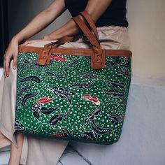 Anjani Tote Bag in combination with handwritten Green Madura Batik      #djokdjabatik