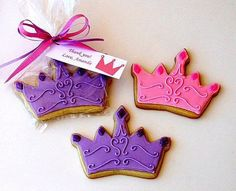 Crown cookies, great as a favor! Iced Cookies, Cute Cookies, Cupcake Cookies, Cookies Et Biscuits, Sugar Cookies, Iced Biscuits, Princess Cookies, Princess Party Favors, Princess Tiara