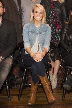 Carrie Underwood wearing Fabulina Designs Feather Pave Chain Necklace