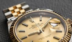 Latest review by Ariel Adams taking on the new ROLEX Oyster Perpetual Datejust 41 reference 126333 is on the site now. We take on the champagne dial, two-tone Rolesor combination and talk briefly about it's back story...