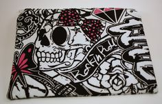 Tattoo/Graffiti  Skull and Heart Zippered by Blackberrythyme, $12.50