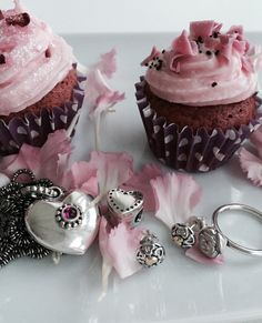 Pink flowers, pink stone, pink cupcakes - what's not to love #Valentinesday #PANDORA