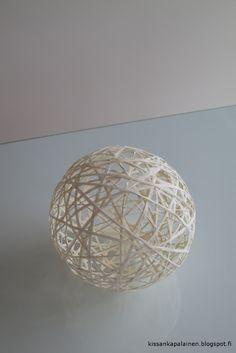 Kissankäpälä: Paperinarupalloja, paper twine balls Twine, Decorative Bowls, Balls, Paper, Home Decor, Decoration Home, Room Decor, Home Interior Design, Home Decoration