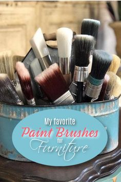 Finding the best paint brushes for furniture painting can be a bit of a challenge with so many options out there. Here are some of my favorites! Hand Painted Dressers, Wood Dresser, Painted Furniture, Chewy Granola Bars, Furniture Repair, Cool Paintings, Painting Tips, Paint Brushes, Chalk Paint
