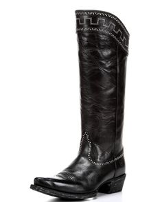 "<p class=""MsoNoSpacing"" style=""margin: 0in 0in 0pt;"">These Women's Sahara Maple Sugar Boots by Ariat are perfect cowgirl boots to bring out the model in you. These full-grain leather Boots feature contrasting decorative stitch and embroidery on foot and top collar for more style to match up with many of your outfits. Each Boot has a partial inside zipper for easier on or off access. Ariat's ATS soles allow more cushioning and stability to the wearer. The X-Toe shape and the 1.75"" ..."
