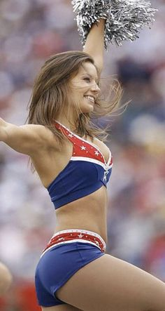Wholly Schnikees is a New England Patriots Cheerleader New England Patriots Cheerleaders, Dallas Cheerleaders, Hottest Nfl Cheerleaders, Cheerleading Pictures, Volleyball Pictures, Softball Pictures, Cheer Pictures, Professional Cheerleaders, Looks Pinterest