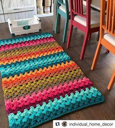 #Repost 👉👉@individual_home_decor 💕💕👈👈 ・・・ Merhaba arkadaşlar..PENYE İPLERDE Toptan ve perakende satış mevcuttur.... Ürünler hakkında kısa… Crochet Cushions, Crochet Motif, Crochet Rugs, Crochet Designs, Home Crafts, World Crafts, Diy Crafts, Toothbrush Rug, Woven Rug