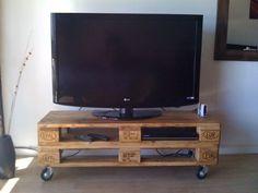 banco mesa tv de palet pallet con ruedas