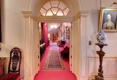 Inside Clarence House: Prince Charles' Home - Interior corridor architecture English Country Decor, Clarence House, Royal Residence, Home Reno, Prince Charles, Mansions, Architecture, Interior, Arquitetura