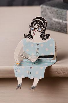 Paper woman reading paper book - Malin Koort