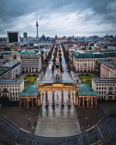 Berlin Wall - Architecture and Urban Living - Modern and Historical Buildings - City Planning - Travel Photography Destinations - Amazing Beautiful Places Berlin City, Berlin Wall, Berlin Graffiti, Berlin Travel, Germany Travel, Berlin Photography, Travel Photography, Places To Travel, Places To Go