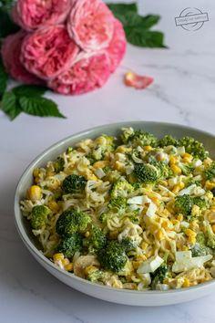 Sałatka z makaronem chińskim i brokułami – Smaki na talerzu Broccoli, Vegetables, Impreza, Food, Salads, Essen, Vegetable Recipes, Meals, Yemek