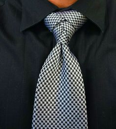 Houndstooth eldredge - I like how subtle the knot is with this pattern.