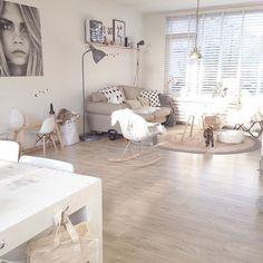 Monday fijne avond!! En eetsmakelijk❤️ #woonkamer #ixxi #interieur #interiors #details #homedesign #homestyling #homedetails #design #inredning #myhome2inspire #inspiration #homedecor #scandinavian #scandicinterior #scandinavischwonen #homedetails