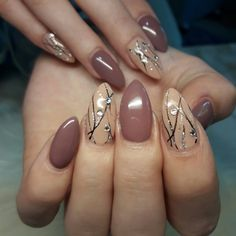 What Christmas manicure to choose for a festive mood - My Nails Elegant Nail Designs, Elegant Nails, Gel Nail Designs, Beautiful Nail Designs, Beautiful Nail Art, Pink Nails, My Nails, November Nails, Latest Nail Art