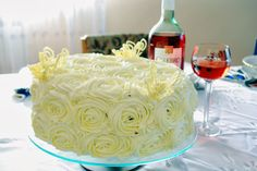Rewelacyjny tort brzoskwiniowy z bitą smietaną i mascarpone. - http://www.mytaste.pl/r/rewelacyjny-tort-brzoskwiniowy-z-bit%C4%85-smietan%C4%85-i-mascarpone-10313334.html