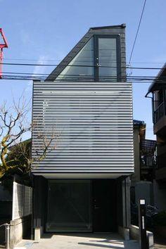 設計工房/Arch-Planning Atelier/細長い敷地に建つうなぎの寝床状狭小住宅