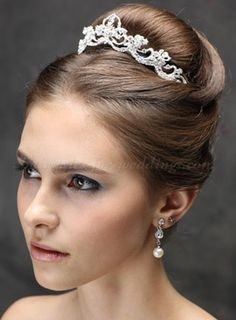 high bun wedding hairstyles - high bun wedding hairstyle with tiara