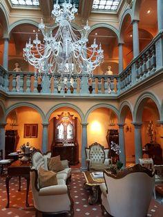 Villa Bertagni Castiglione di Garfagnana Loc. Torrite Bed And Breakfast, Mansions, House Styles, Home Decor, Rook, Decoration Home, Manor Houses, Room Decor, Villas